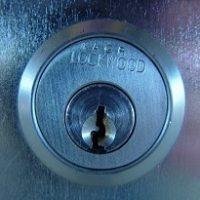 תיקון דלתות ומנעולים